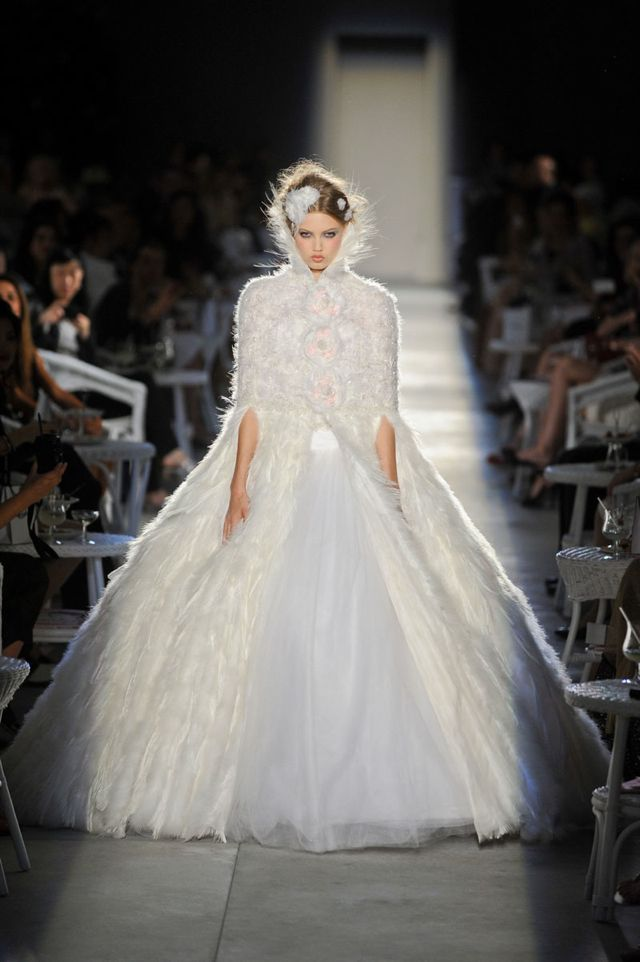 The New Vintage of Fashion: Chanel Haute Couture Fall ...